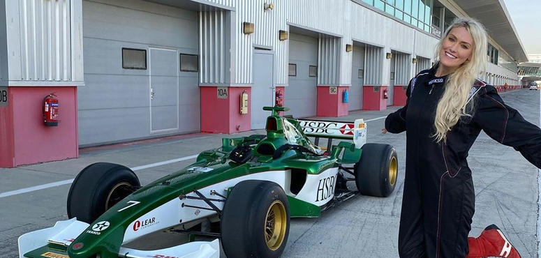 Video: 'This is insane' Supercar Blondie's F1 crash course