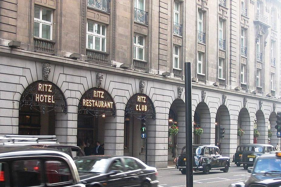Omani Minister S Wife Sues London S The Ritz Over 3 4m Gambling Debt Arabianbusiness