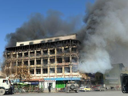 Kabul rocked by Taliban attacks