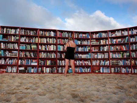 The world's longest outdoor bookcase