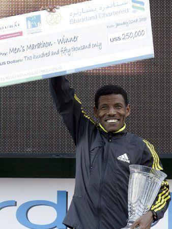 Gebrselassie dominates in Dubai again!