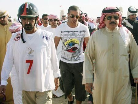 Sheikh Mohammed competes in endurance race