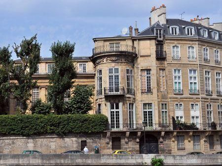 Inside Qatari prince's historic Paris mansion