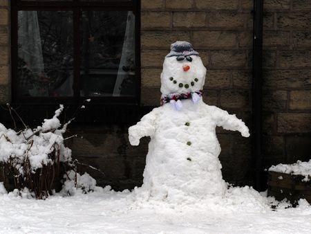 More snow blankets UK