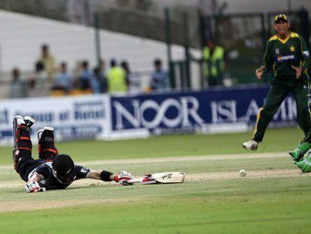 Pakistan beat NZ in Abu Dhabi