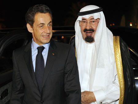 Saudi's king welcomes Sarkozy for talks