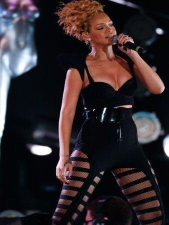Rihanna rocks Abu Dhabi