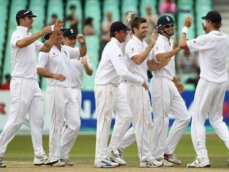 England celebrates superb win over S Africa
