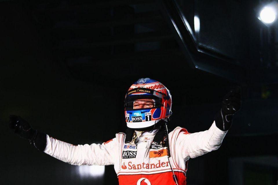 Jenson Button wins Australian F1 Grand Prix