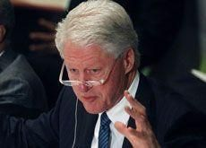 Iran 'to spur Middle East arms race' - Clinton