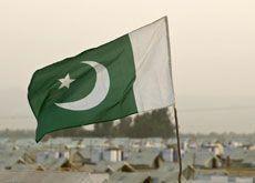 Pakistan seeks UAE trade to lift economy