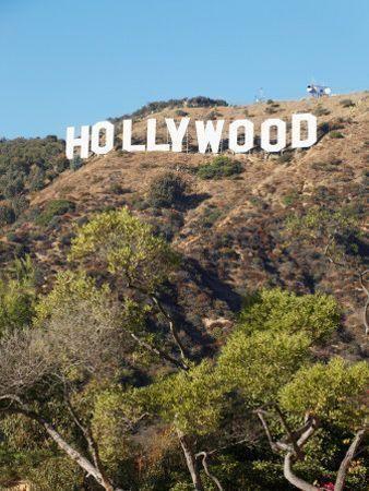 Dubai launches new TV, movie commission