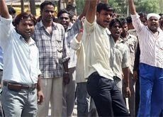 Qatar police use whips and sticks on Asian labourers