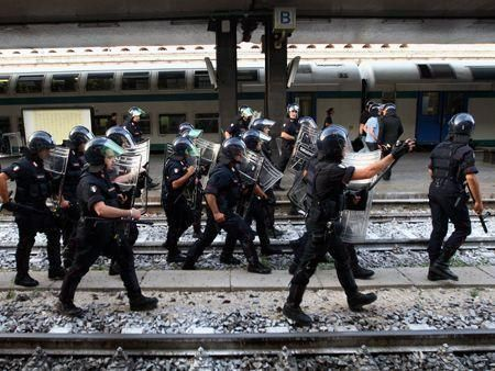 G8 summit begins in Italy amid protests