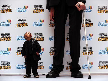 World's shortest man dies