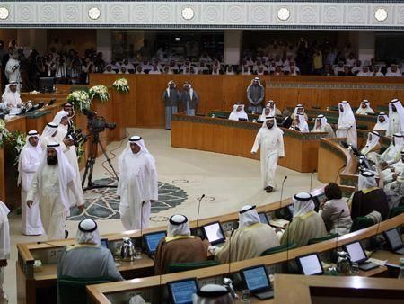 Kuwait cabinet faces tough first day at parliament