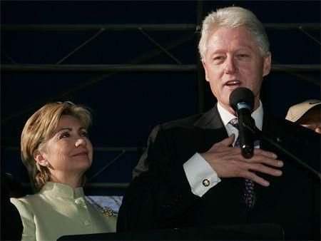 Hilary Clinton refutes conflict of interest claims over husband's speeches, Abu Dhabi airport visa pre-clearance