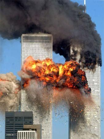 Obama pays visit to New York's Ground Zero