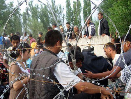 Kyrgyzstan violence escalates