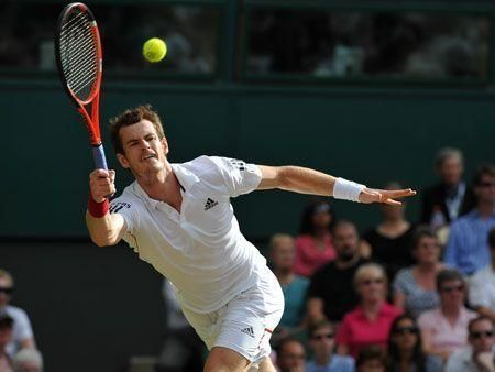Federer out; Murray through to semis