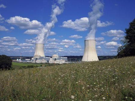 Jordan seeking bids for one or two nuclear plants