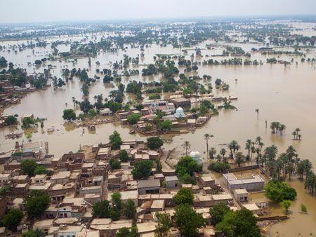 Senior figures to attend Pakistan floods fundraiser