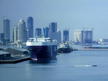 Qatar plans to award three tenders for $7.4bn port