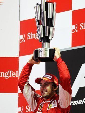 Fernando Alonso wins Singapore Grand Prix
