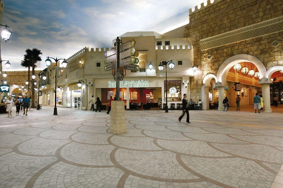 Dubai shopping mall reports record footfall in 2017