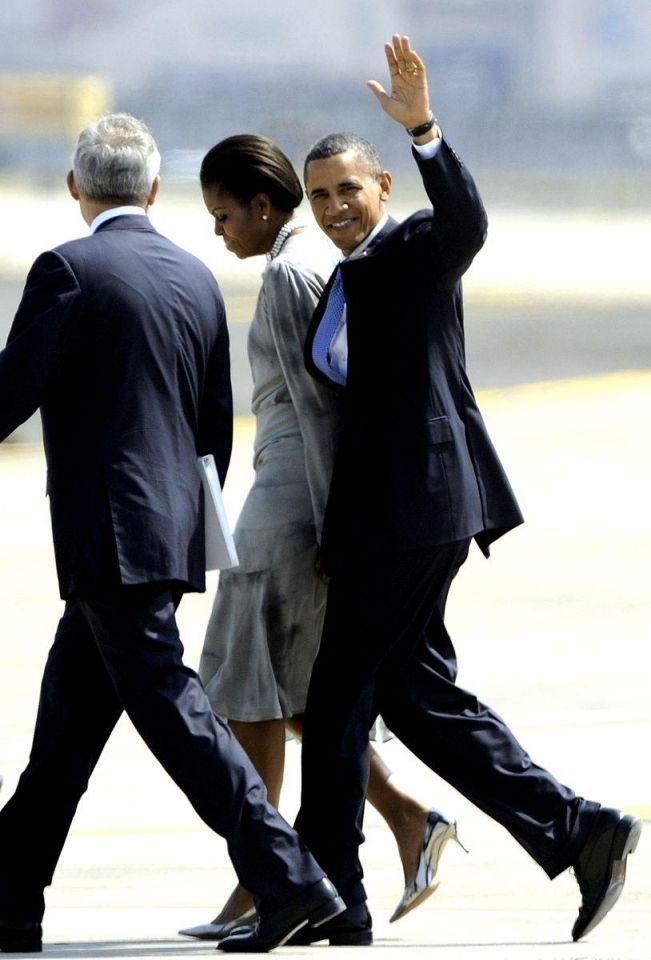 Barack Obama arrives in India