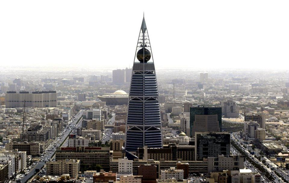 Saudi budget plans for $154.7bn spend in 2011