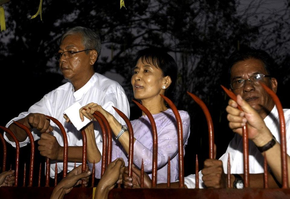 Aung San Suu Kyi tastes freedom after 15 years of house arrest