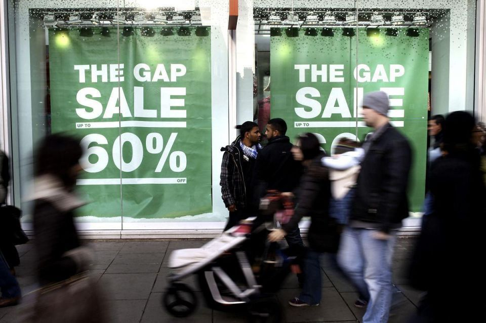 UK shoppers go on Boxing Day sales spree