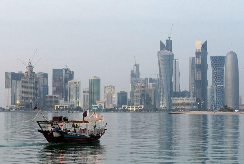 Qatar expects budget deficit in 2016