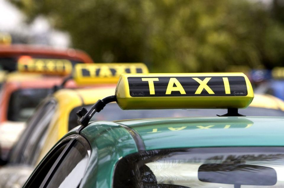 Dubai Taxis consider offering check-in facilities for airports