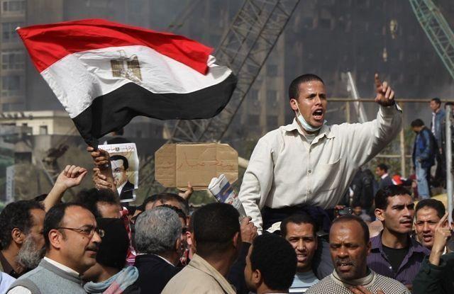 UPDATE: Egyptians spurn Mubarak speech, step up protest