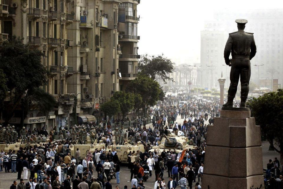 Defiant Egyptians out on the streets, demand Mubarak's removal