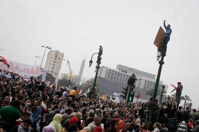 Egypt protesters continue to defy presidential regime