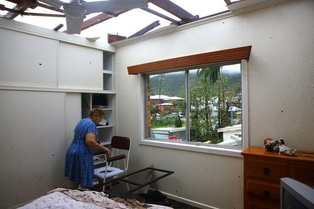 Cyclone Yasi devastates Queensland