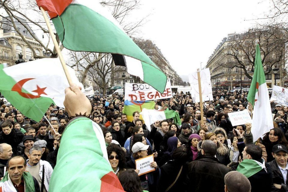 Algerians in France support protests at home