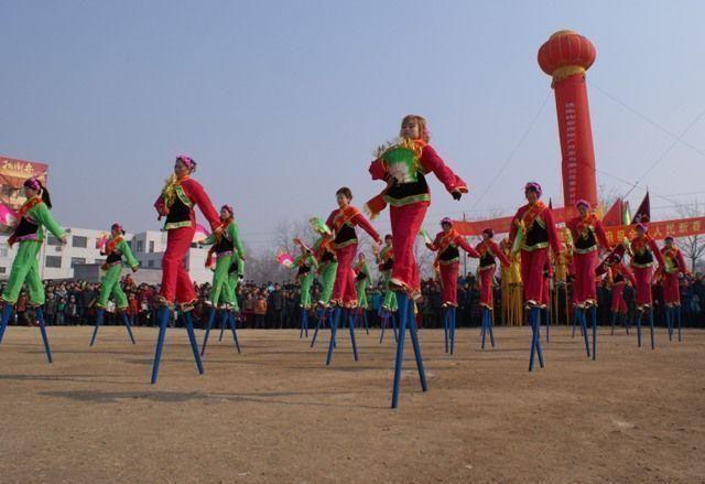 Mass celebrations greet China's Lantern Festival