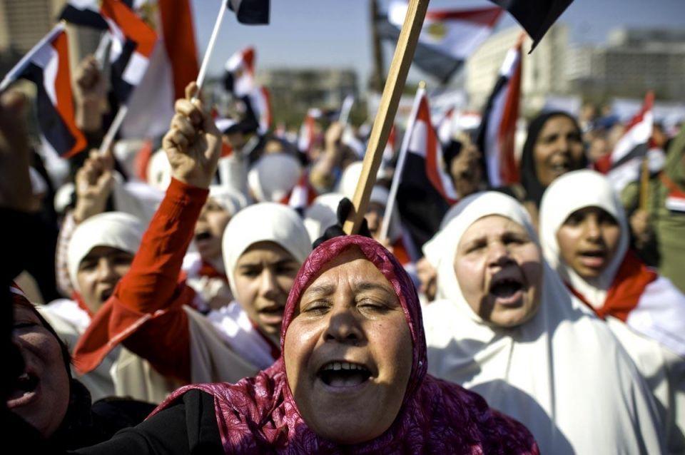 Egypt's new PM-elect addresses Tahrir Square crowds