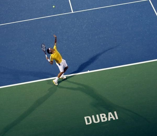 Easy wins for Djokovic, Federer in Dubai