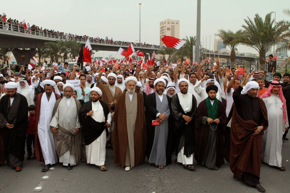 Bahrain politicians seek to calm sectarian tensions