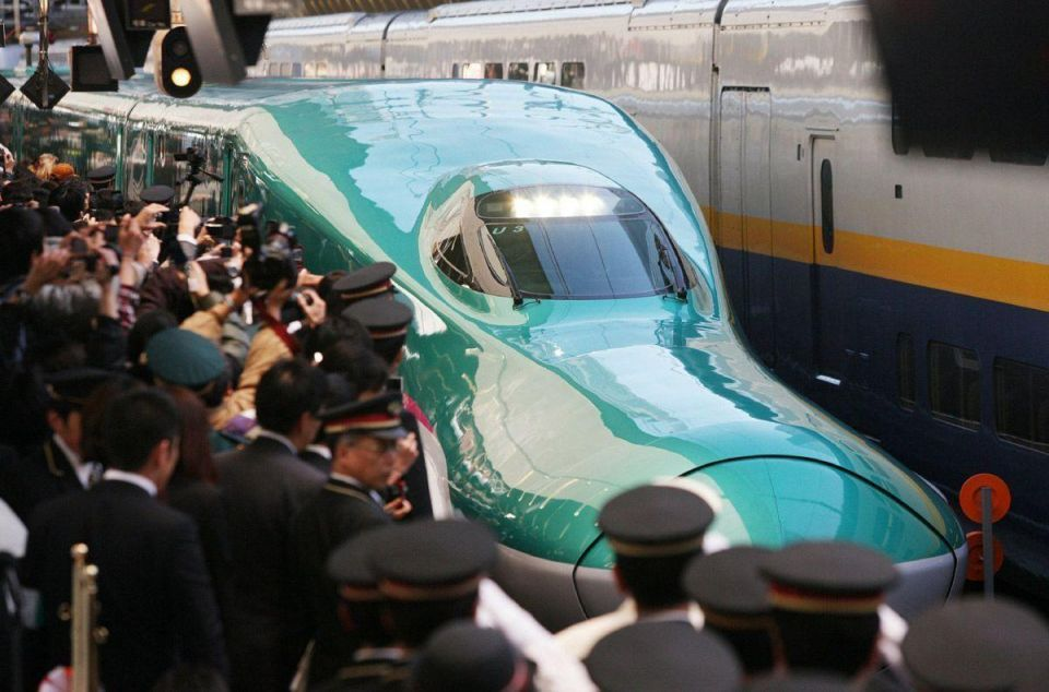 Japan's new bullet train debuts in Tokyo
