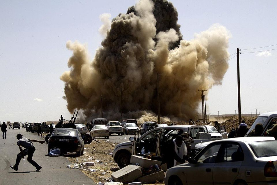Libyan plane hits town, over 1m people need aid