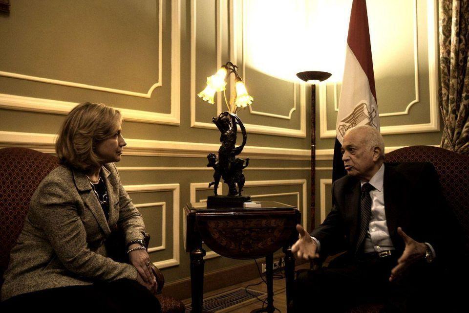 Clinton in Cairo: US secretary visits Egypt