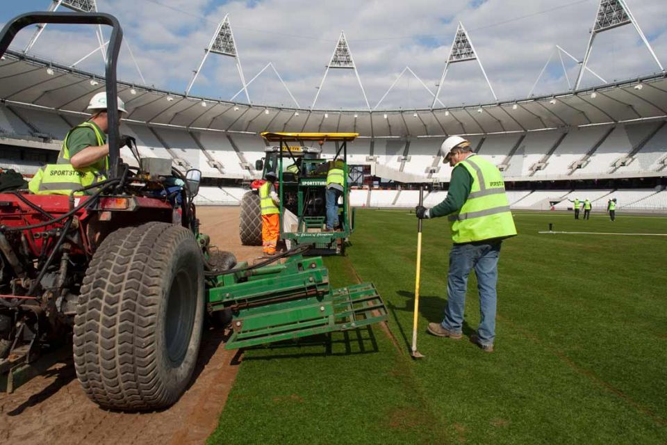 London unveils completed 2012 Olympic Stadium