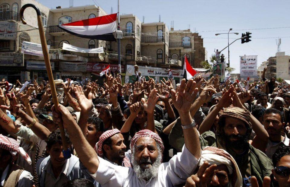 Yemeni retailers close shops in Saleh protest