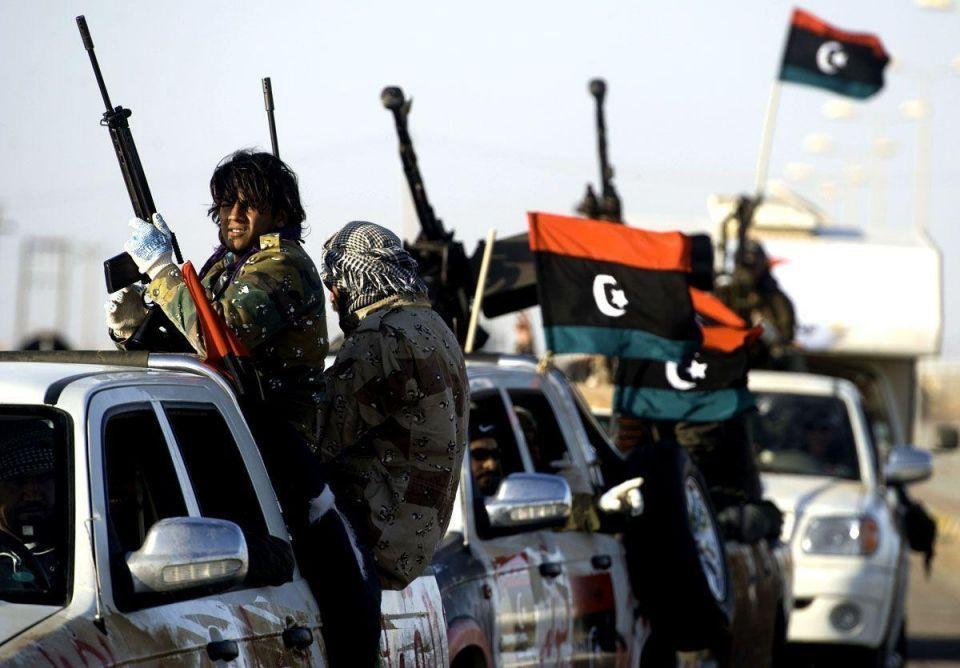 Libyan rebels try to push back towards Brega